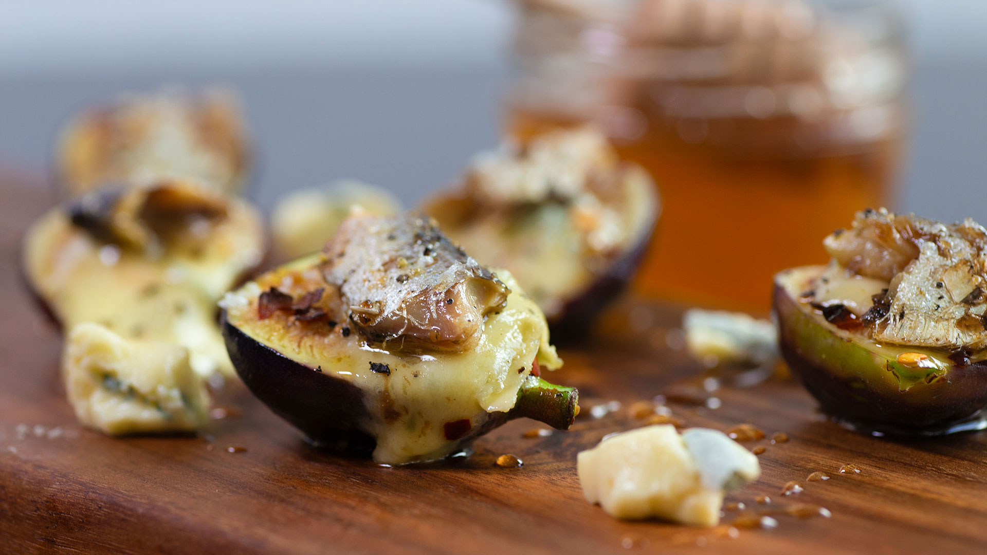 Gorgonzola Sardine Bites On Fresh Fig